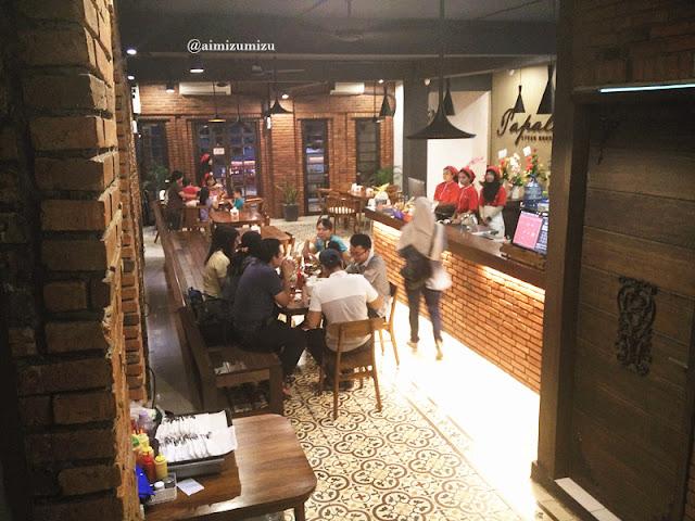 Papali steak house Padang lantai 1