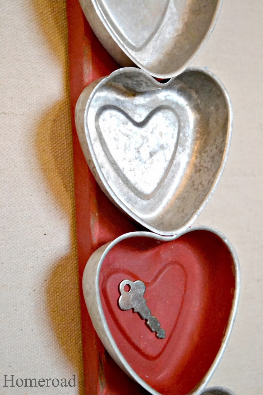 tin heart wall hanging www.homeroad.net