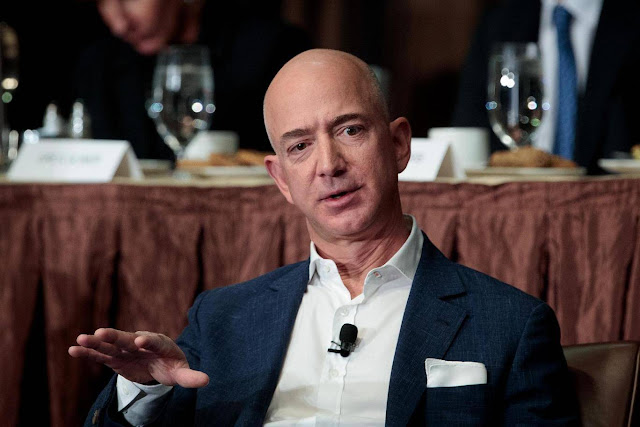 Jeff Bezos اغنى رجل في العالم