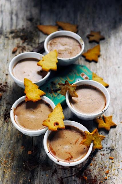 Jingle bells jingle bells jingle all the way ! Chocolat chaud parfumé et p'tits biscuits aux épices en attendant Noël !