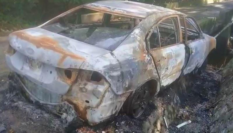 Hombre muere calcinado tras explotar su vehículo en SFM