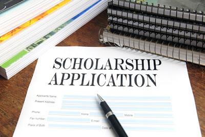 Kelebihan dan Kekurangan Melamar Beasiswa Online dan Offline