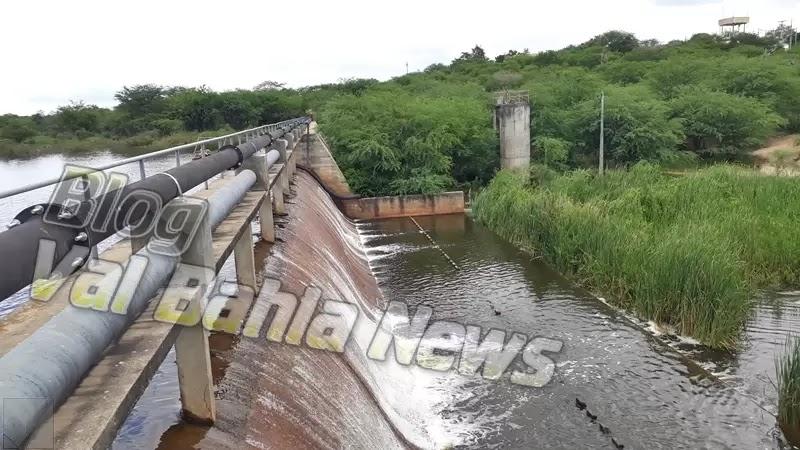Após as chuvas que caíram em Várzea da Roça e toda Região, com extensão para todo Brasil no mês de março, a barragem de Morrinhos/Flori entre os municípios de Várzea da Roça e Várzea do Poço começou a transbordar