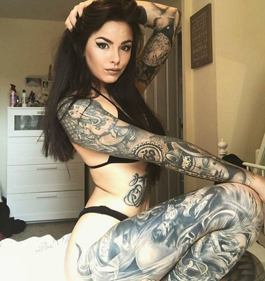 25 Attractive Leg Tattoos For Women