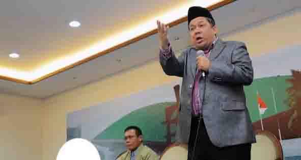 Wakil Ketua DPR RI: Jokowi ke Kampus Bawa Banyak Tentara dan Polisi, Memalukan!