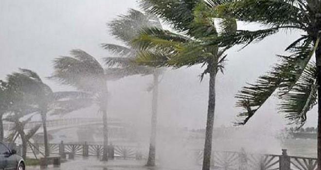 Cuaca Ekstrem Diprediksi Hingga Maret
