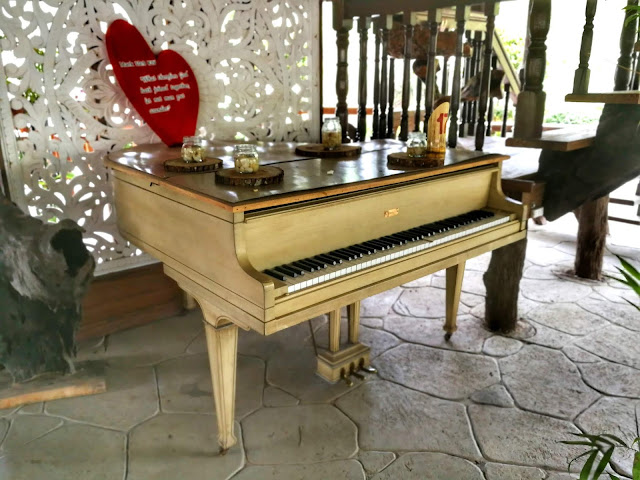 balay ni tatay farm resort babatngon leyte, white piano, vintage piano