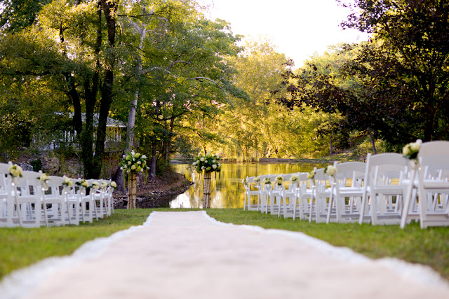 bride+groom+bridal+ceremony+river+lake+southern+south+pink+white+green+cowboy+cowgirl+horse+floral+arrangements+wood+woodland+rustic+shabby+chic+centerpiece+wedding+cake+dog+ring+bearer+dogs+simply+bliss+photography+2 - Grandpa's Ranch