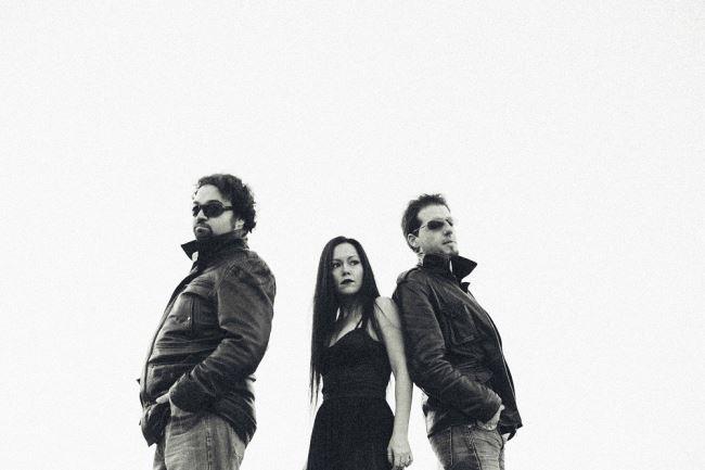THE ROCKIN' DEAD: Κυκλοφόρησε το ντεμπούτο album τους!