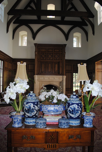 Calling all blue and white lovers!! ~ Home Interior Design ...