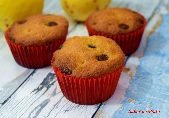 Receita de muffins de maracujá com gotas de chocolate