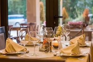 Top 10 Restoran Paling Unik Di Dunia, Hmm Seperti Apa Ya Keunikannya?