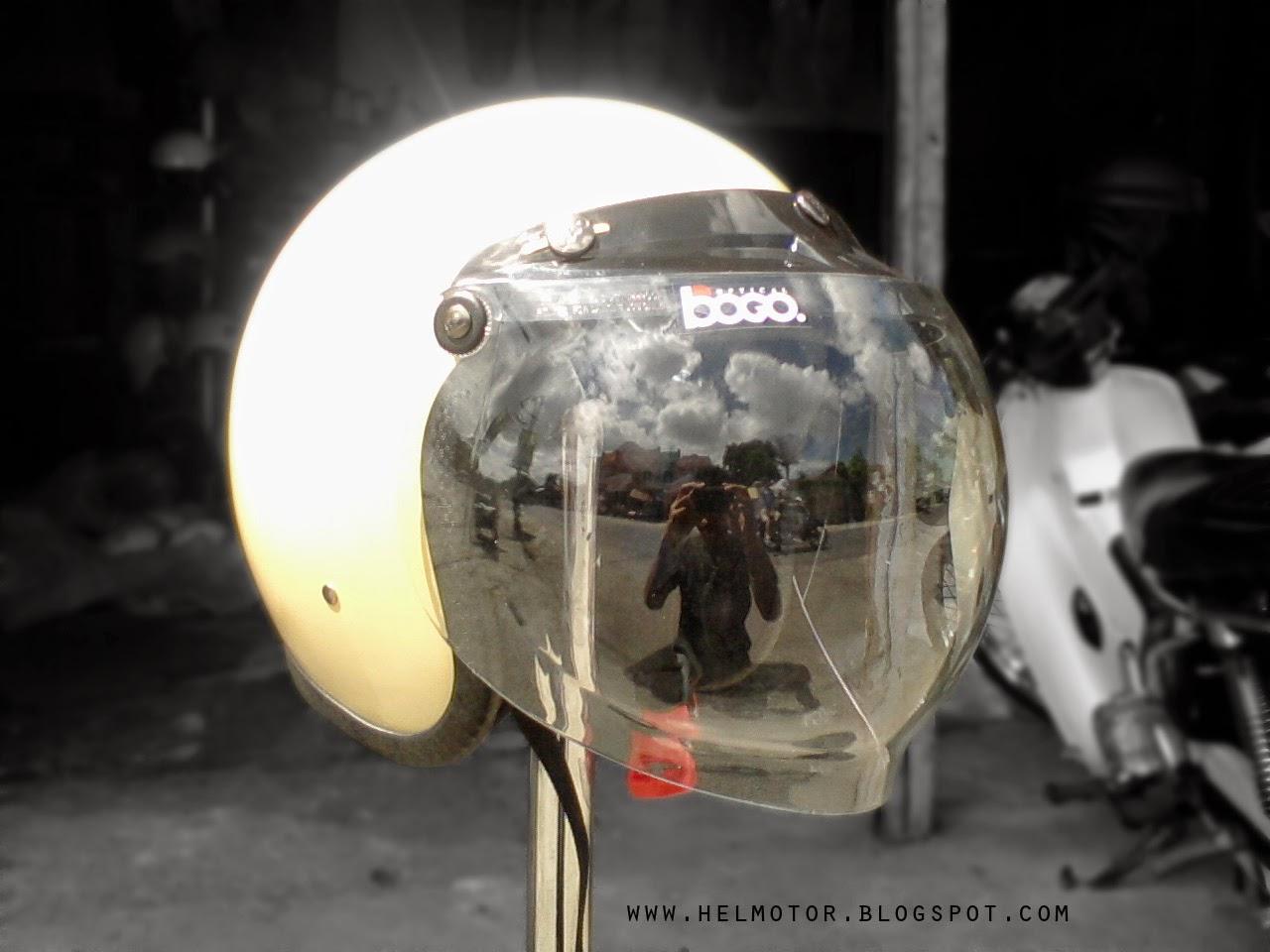 Helm Vespa Bogo Putih HH  Helm Vespa