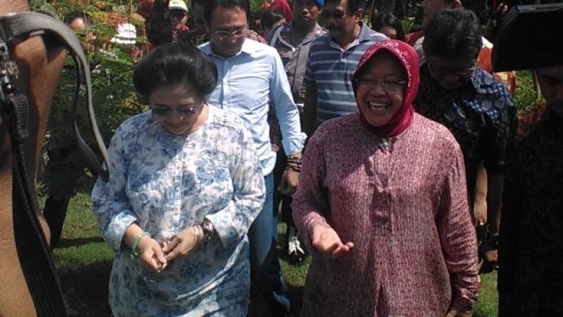 Tri Rismaharini dan Megawati Soekarnoputri