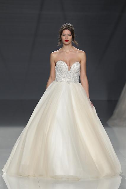 Wedding Gown Gorgeous: DEMETRIOS