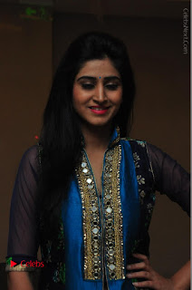 Actress Model Shamili Sounderajan Pos in Desginer Long Dress at Khwaaish Designer Exhibition Curtain Raiser  0002.JPG