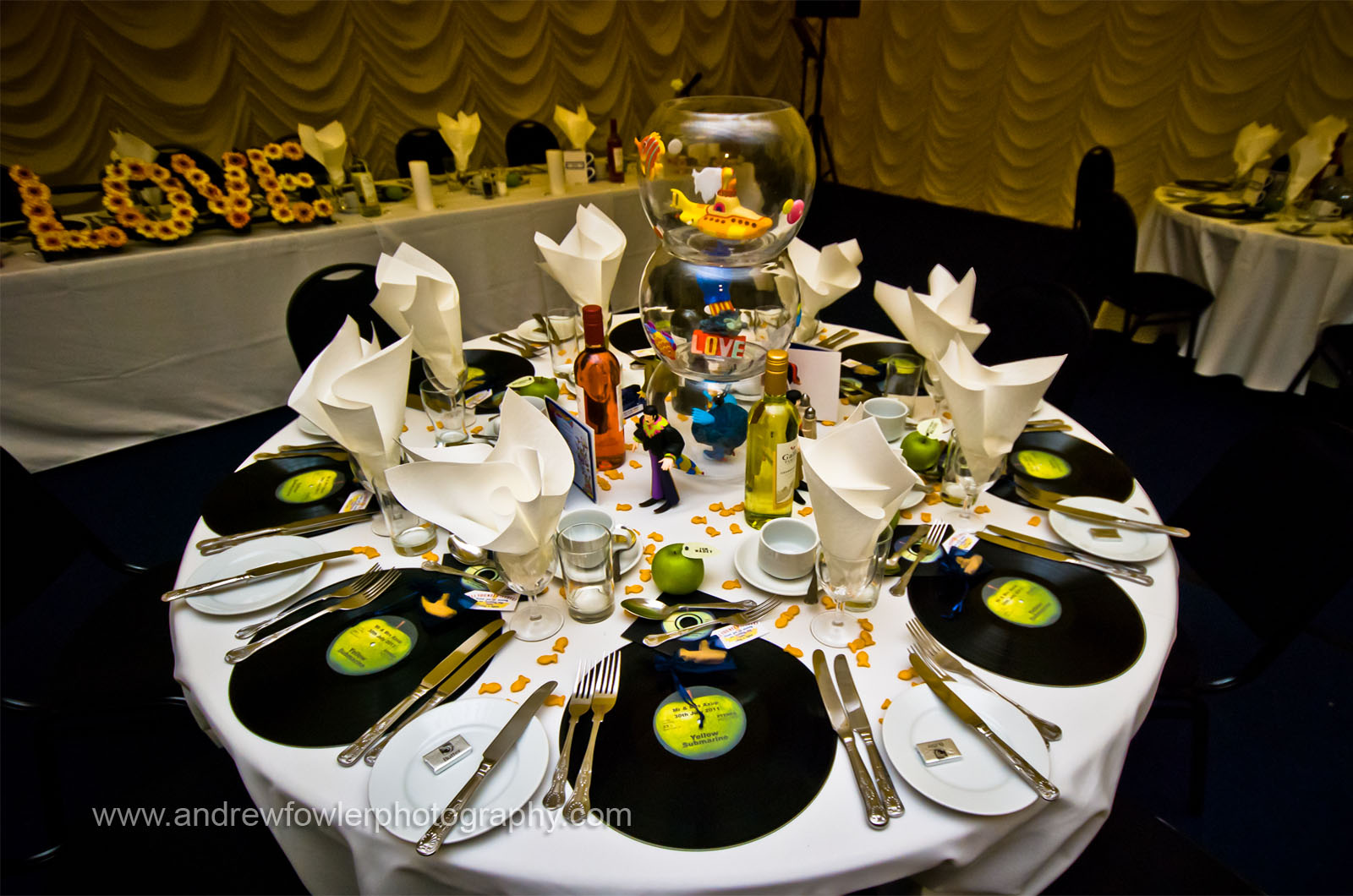 andrew fowler photography beatles themed wedding liz dylan. Black Bedroom Furniture Sets. Home Design Ideas