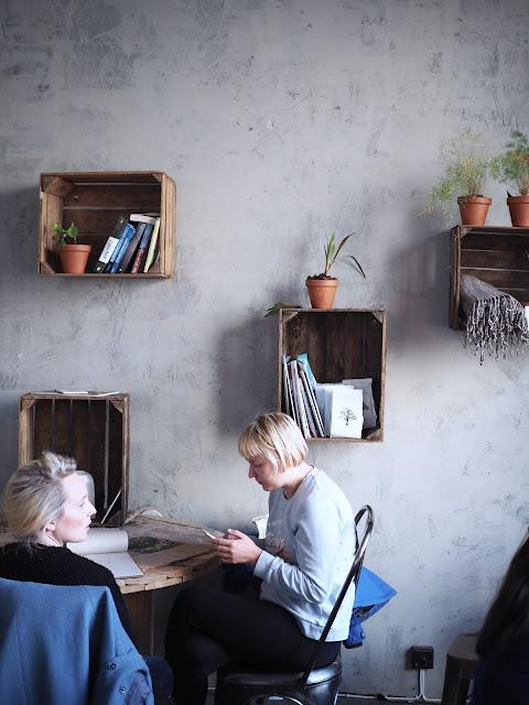 Gluteeniton kahvila, joogastudio, Roots Helsinki