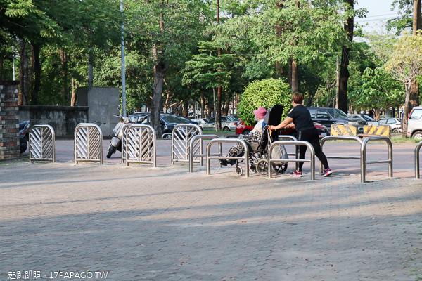台中東區|東峰公園(228紀念公園)|步道廣場訓練場|設施完善|休閒運動好去處
