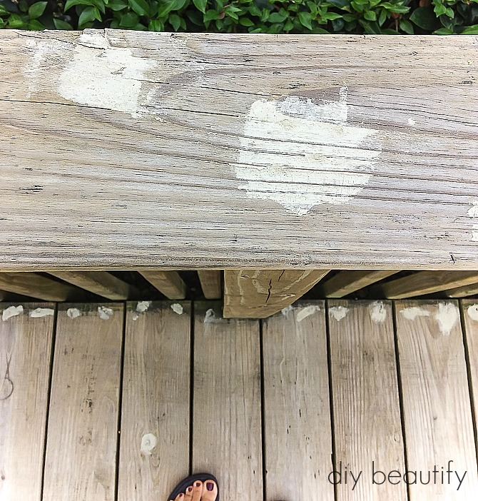 Our gross deck was cleaned and updated with paint. You'll find the tutorial at diy beautify!