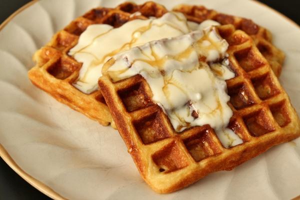 Mission: Food: Yogurt Waffles with Honey Cream