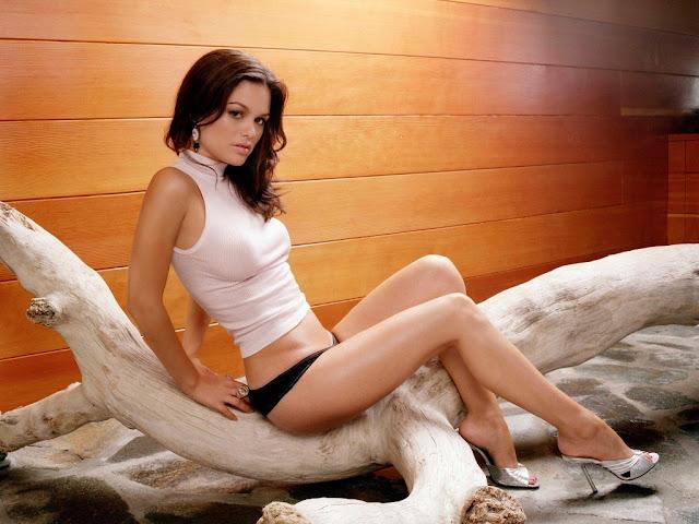 Hollywood Actress Rachel Bilson Hot Pics