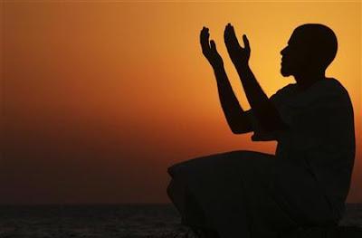 intropeksi diri setiap kali berdoa