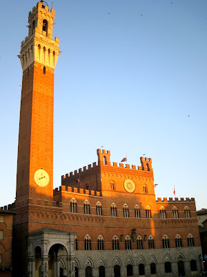 Palazzo Pubblico during sunset in Siena
