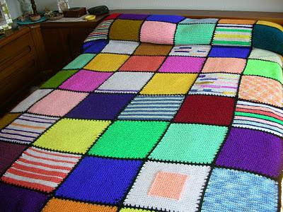 Dacha artesana colcha con retales de lanas for Colchas de punto de lana