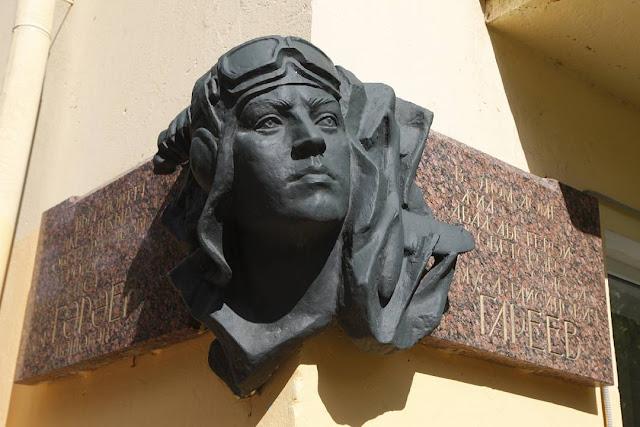 Ко Дню Победы восстанавливают портрет Мусы Гареева