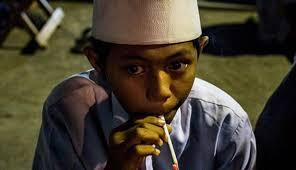 Santri Dilarang Merokok