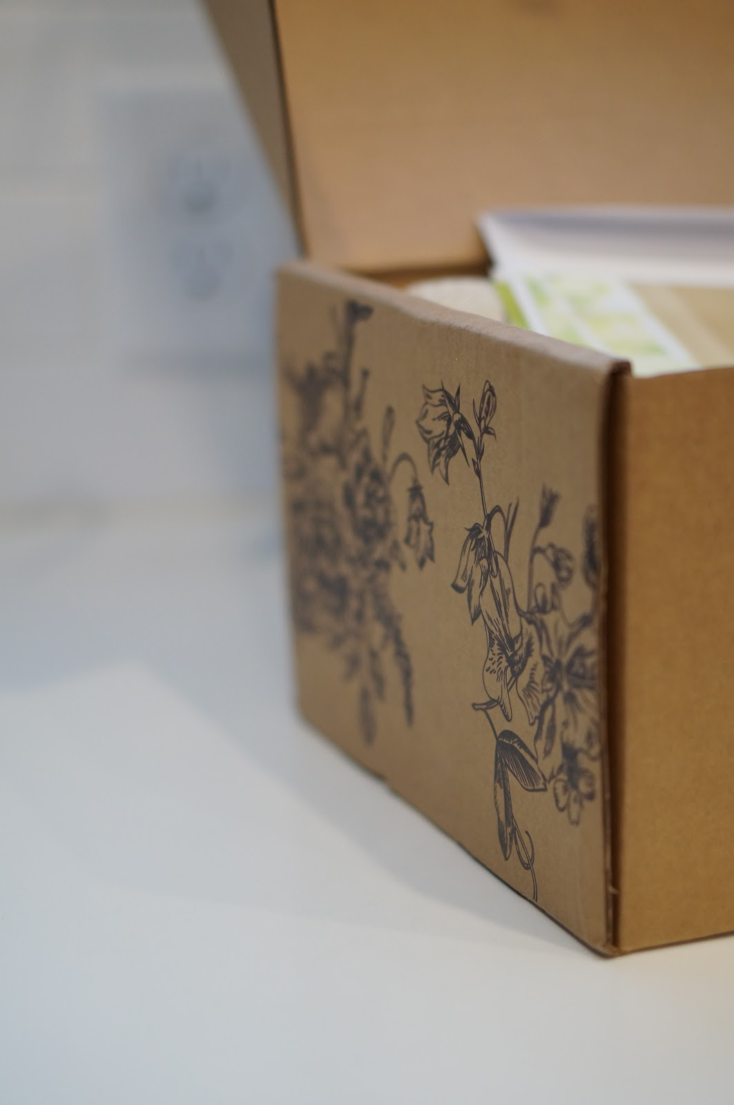 ENTERTAINING WITH BETH SUBSCRIPTION BOX by popular North Carolina lifestyle blogger Rebecca Lately