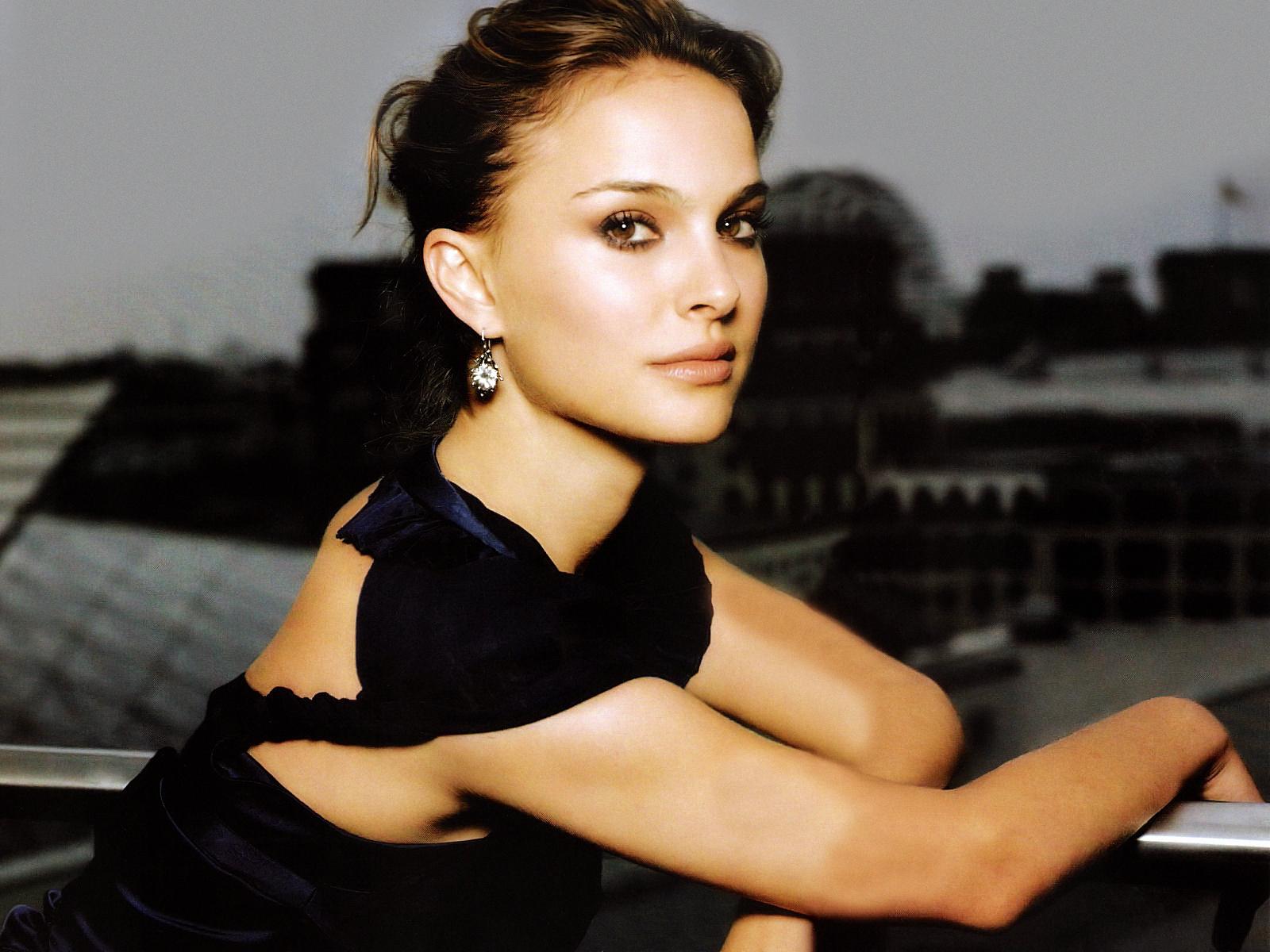 Uneedallinside Natalie Portman Latest Images  Hot Stills -8900