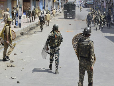 Curfew continues in most parts of Valley for 5th day