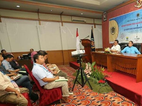 Seminar Peranan Pers Dalam Pembangunan Daerah dan Uji Kompetensi Wartawan Angkatan XII