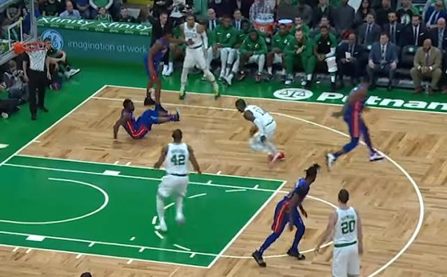 Kyrie Irving crossover vs Pistons