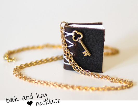 Moorea Seal Necklace