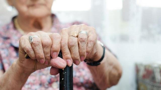 Εφιάλτης για 77χρονη: Πέντε ημέρες παρέμεινε δεμένη και φιμωμένη στο σπίτι της έπειτα από ληστεία (βίντεο)