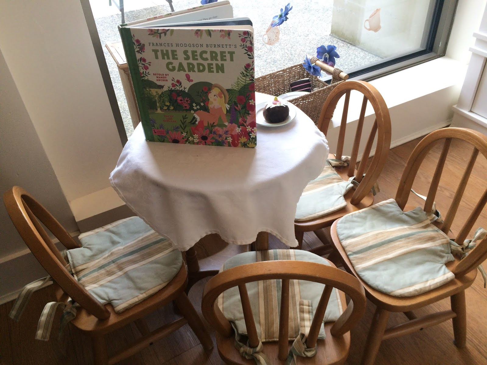Janice S.: Lunch with Donna at The Secret Garden Tea Room in Kerrisdale
