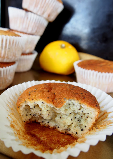 Sitruuna-unikonsiemen muffinit