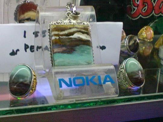 Perhiasan dari batu akik