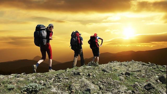 Mempersiapkan Peralatan Naik Gunung untuk Kenyamanan Saat Mendaki