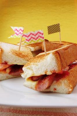 食パンとウィンナーの簡単サンドイッチ