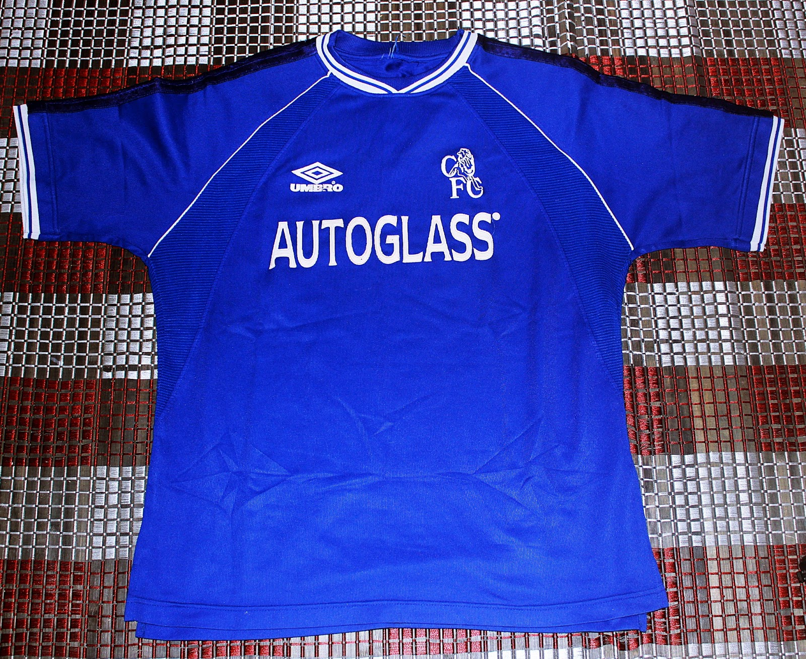 3aa3c1c2d0b White Trash: AUNTHENTIC 1999-2001 CHELSEA FOOTBALL TEAM HOME JERSEY ...
