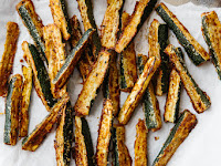 BAKED ZUCCHINI FRIES (GLUTEN-FREE, LOW-CARB)