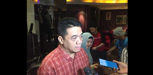 Semua Orang Tahu Jokowi Presiden Penuh Pencitraan