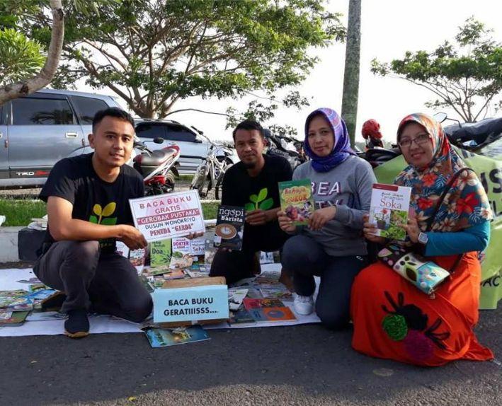 """Matic Pustaka Tarik Minat Baca di """"Nggruput"""" Festival Jajanan dan Dolanan Tradisional Kabupaten Pringsewu"""
