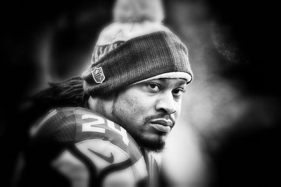 NFL SPORTS: Marshawn Lynch officially joins the Raiders