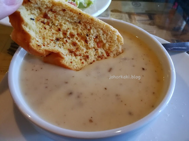 Barney's-Good-Food-Great-Time-Kluang-Johor
