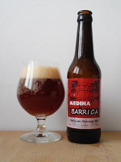 Medina Barrica Strong Ale dorado y en botella